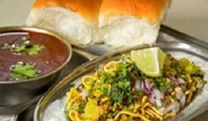 6 must have breakfast foods in Pune, Puneri misal
